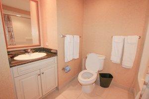 4th guest bedroom bathroom
