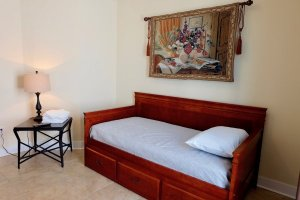 3rd Bedroom - Twin & Trundle bed