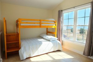 4th Bedroom - Full & Twin beds