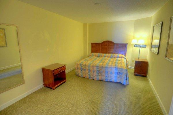 Holiday Suites 1105 Ocean Front Condo Myrtle Beach Rentals